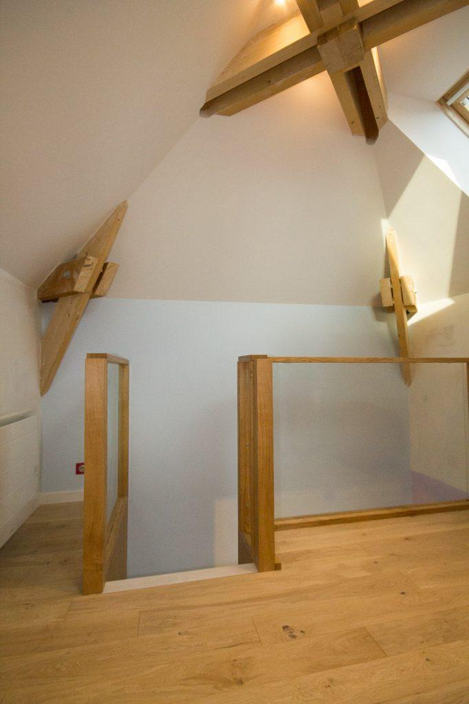 combles chambre enfant avec escalier