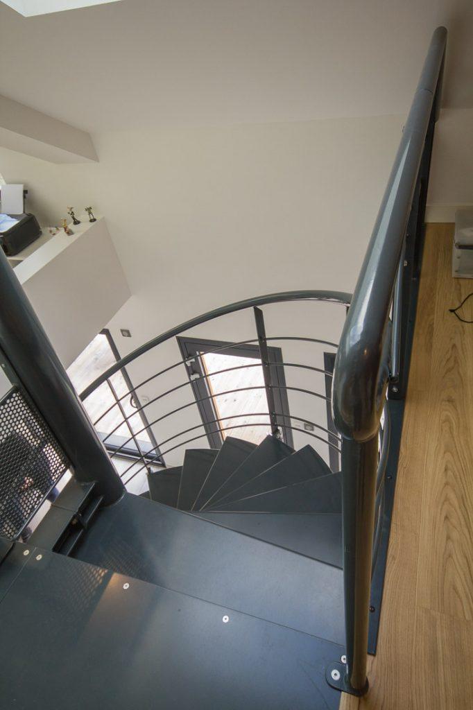 escalier metal helicoidal