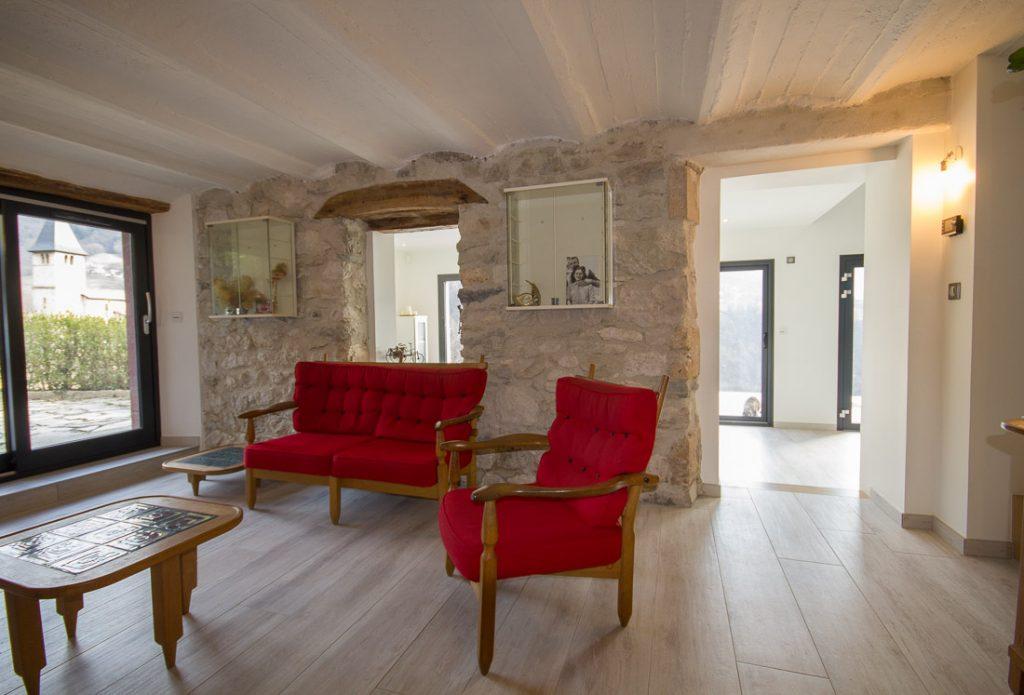 salon maison pierre renove